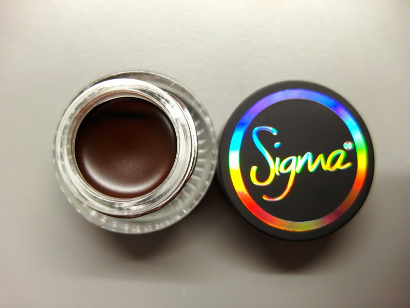 First Impression Sigma Beauty Standout Eyes Gel Liner Stunningly Ladylike swatch Lunarrive Blog Singapore