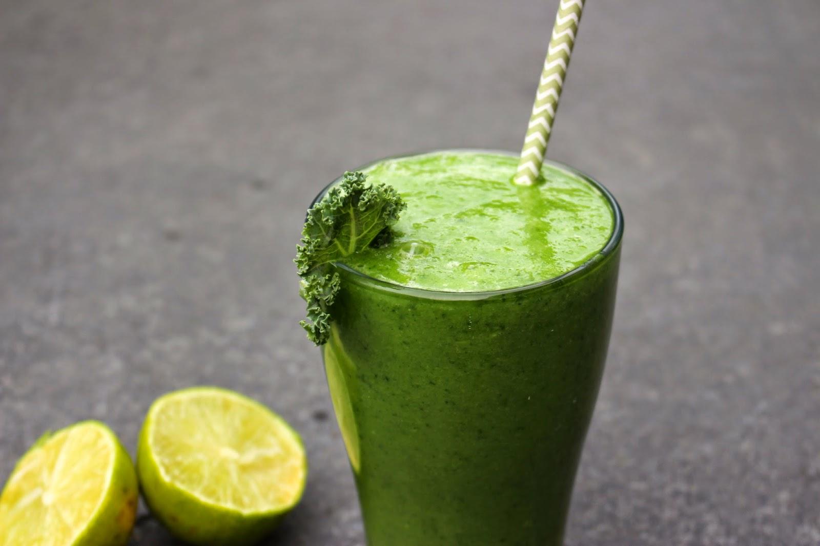 Kohl Ananas Smoothie | grün und gesund!