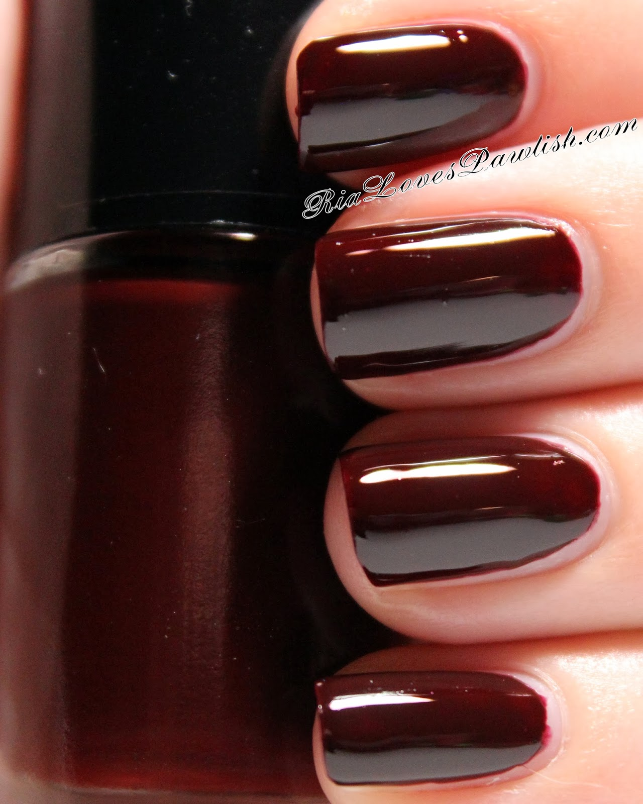 What\'s your favorite nail polish color, and why? : AskWomen