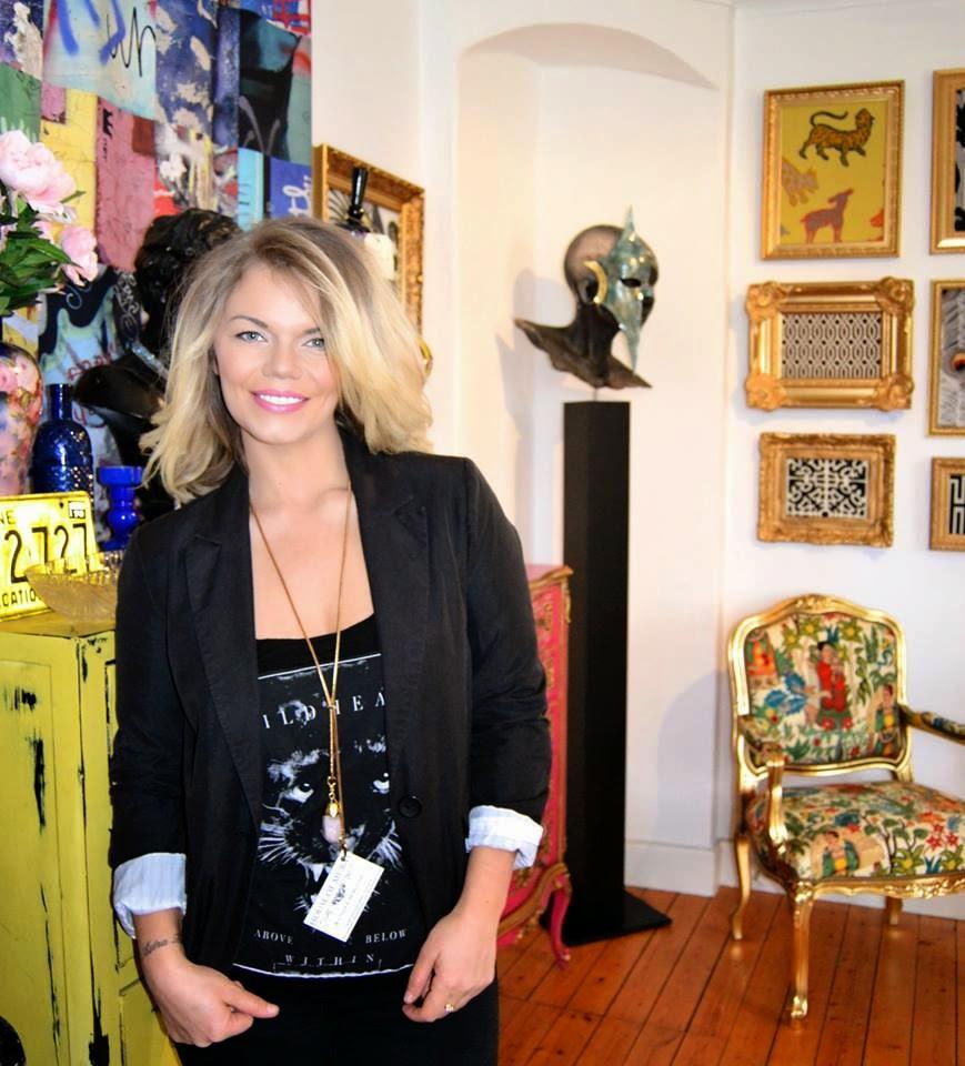 Mercedes Murat med halsband från INNA