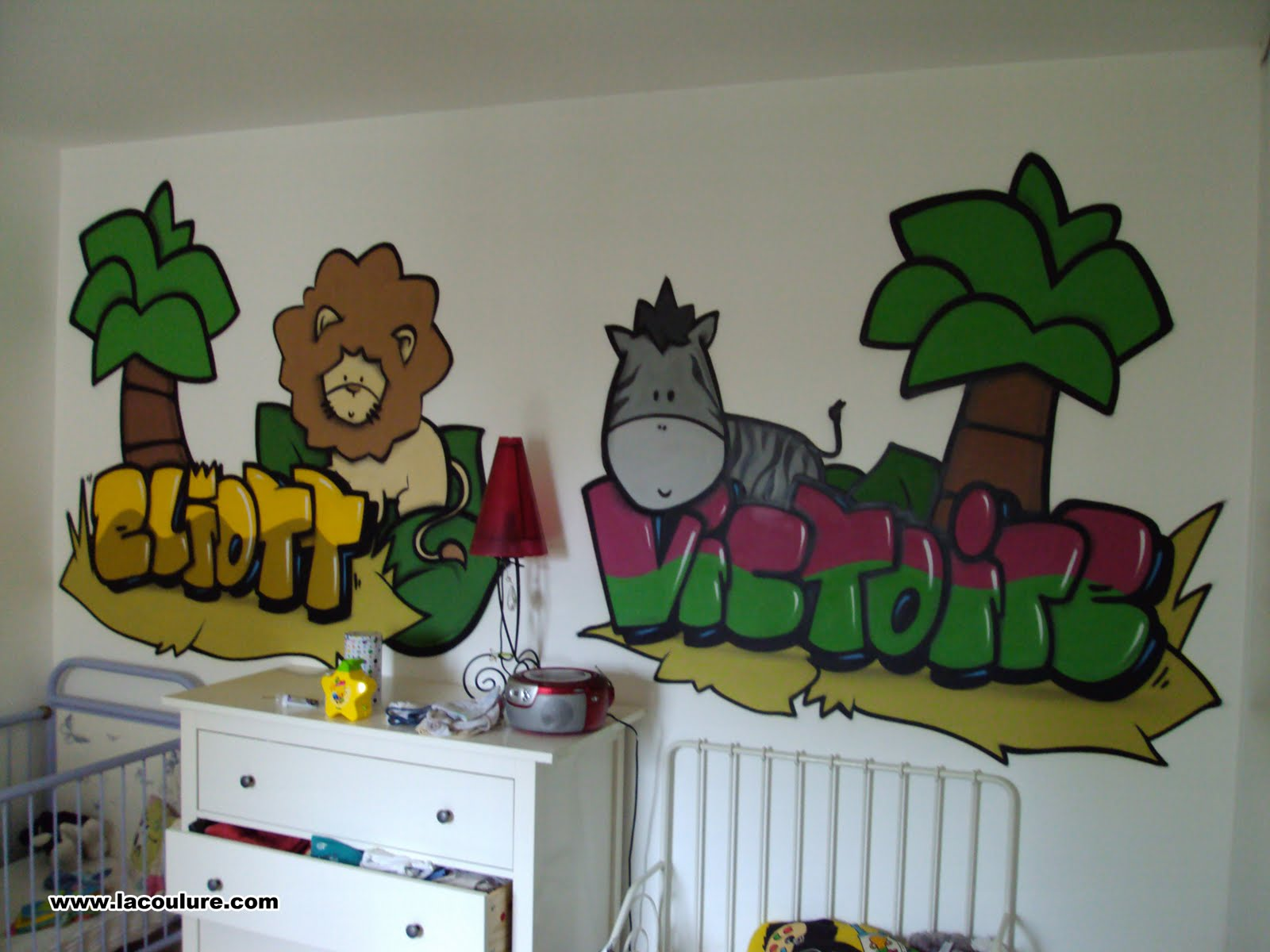 collectif la coulure graffiti lyon graff chambre d 39 enfant jungle. Black Bedroom Furniture Sets. Home Design Ideas