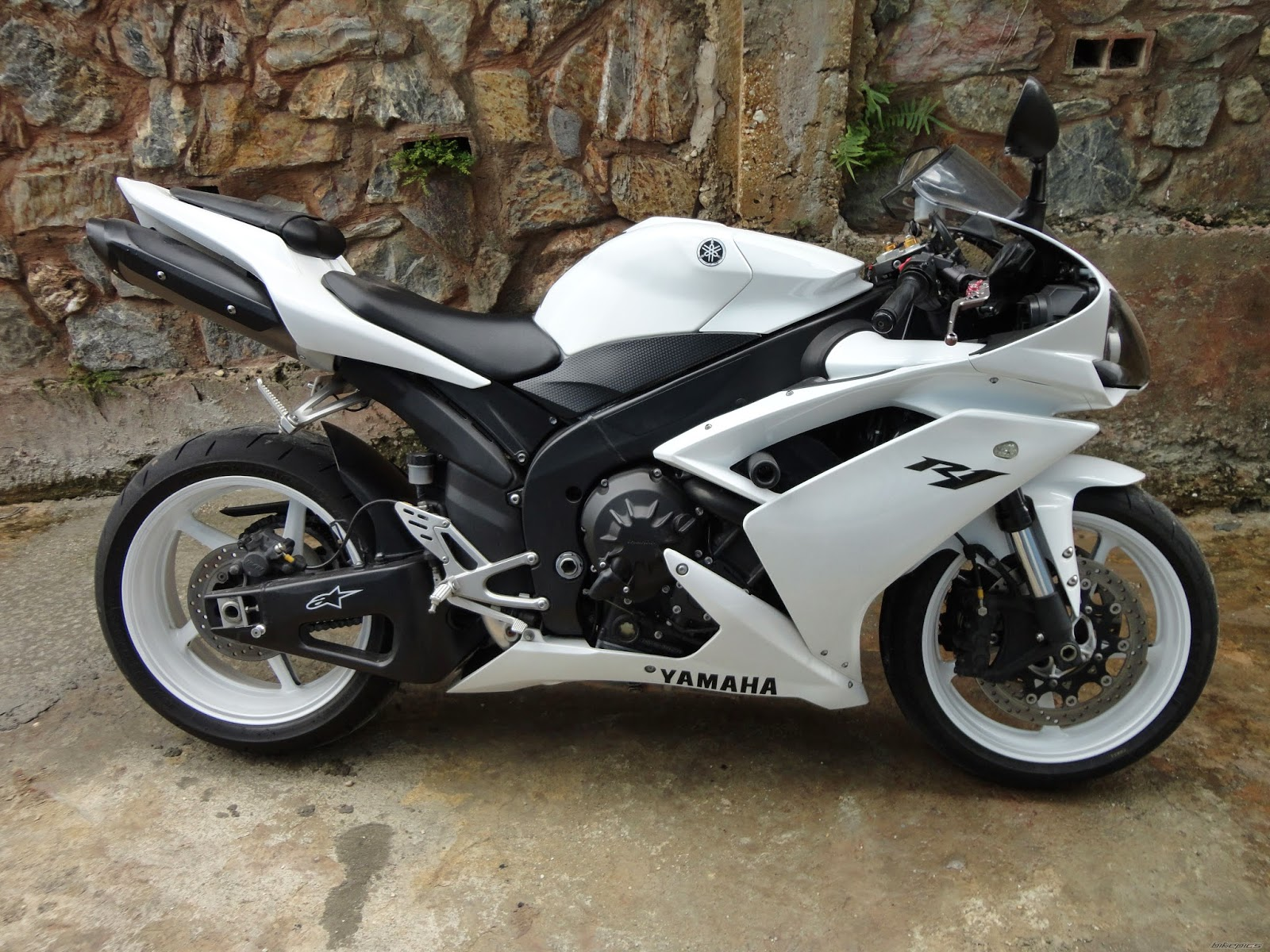 see best style yamaha r1 white