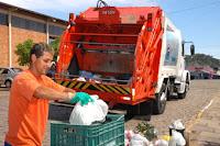 Separar o lixo traz mais segurança aos garis, mas isso não é tudo.