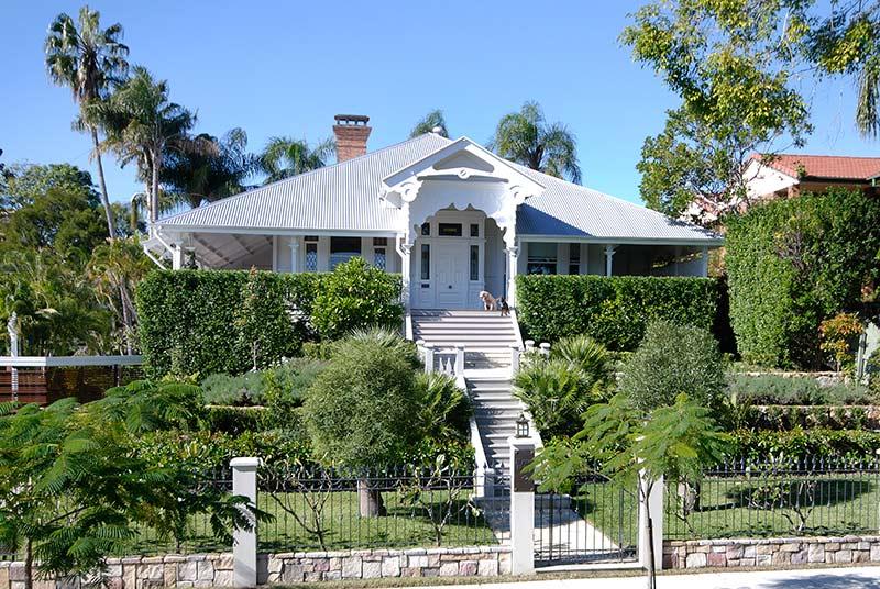 Classic queenslanders on pinterest house renovations for Classic queenslander house