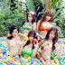 Phụt máu với dàn người đẹp bikini quảng bá Cửu Đỉnh Thiên Hạ