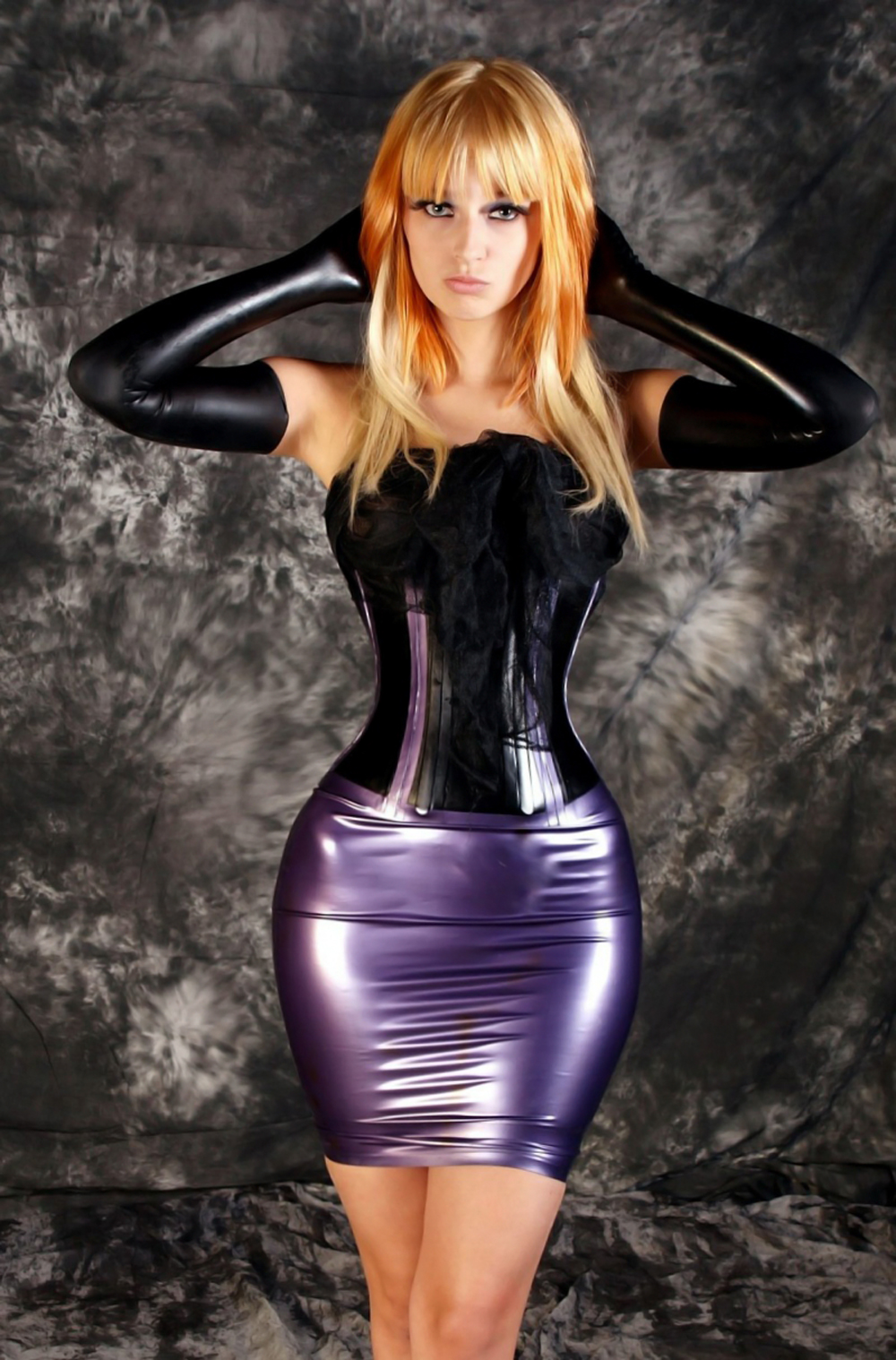 Morphed Babes: > I JUST LOVE LATEX