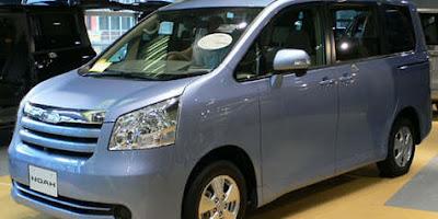 Toyota Noah Tiba di Indonesia Bulan Depan