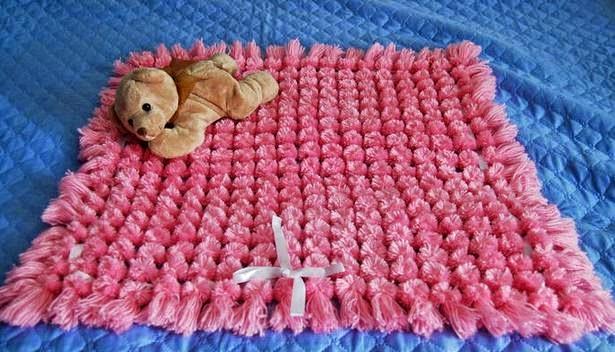 C mo hacer una alfombra de pompones paso a paso y en for Alfombras artesanales tejidas a mano