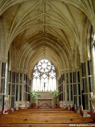 Interior de la capilla neogótica de Kylemore