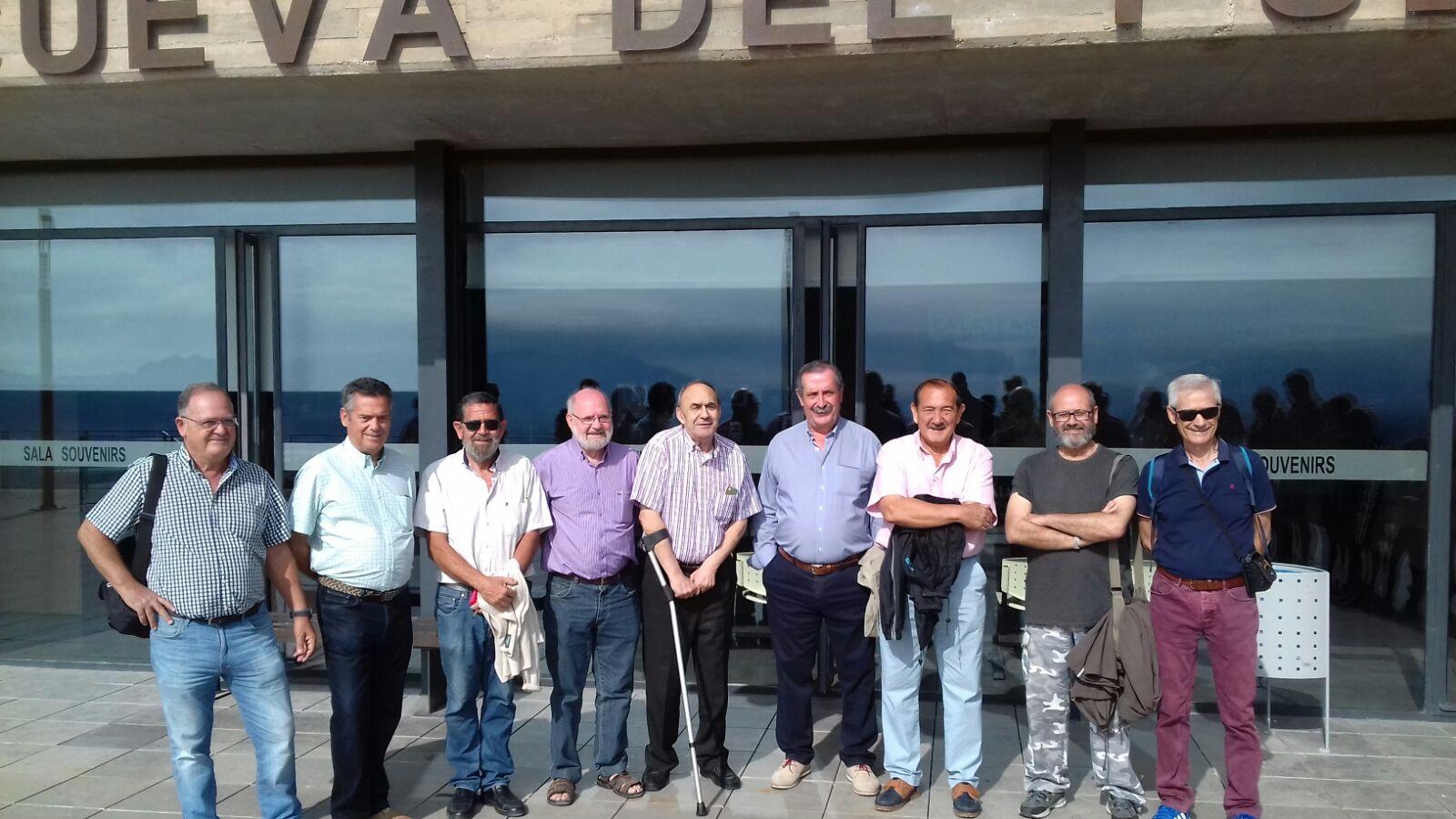 Espeleólogos del GECA en el 50º aniversario del descubrimiento de la Cueva del Puerto
