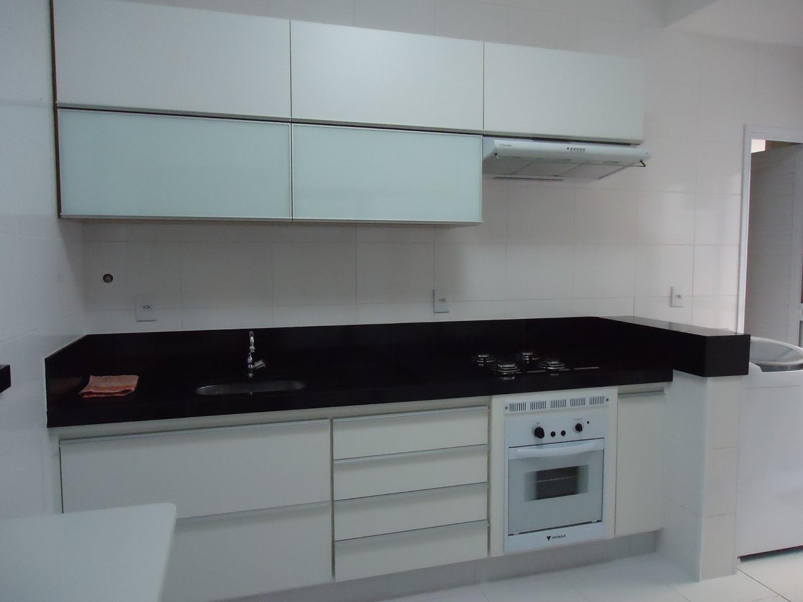 Cozinha integrada com a lavanderia ANTES #5B4A47 1600x1200