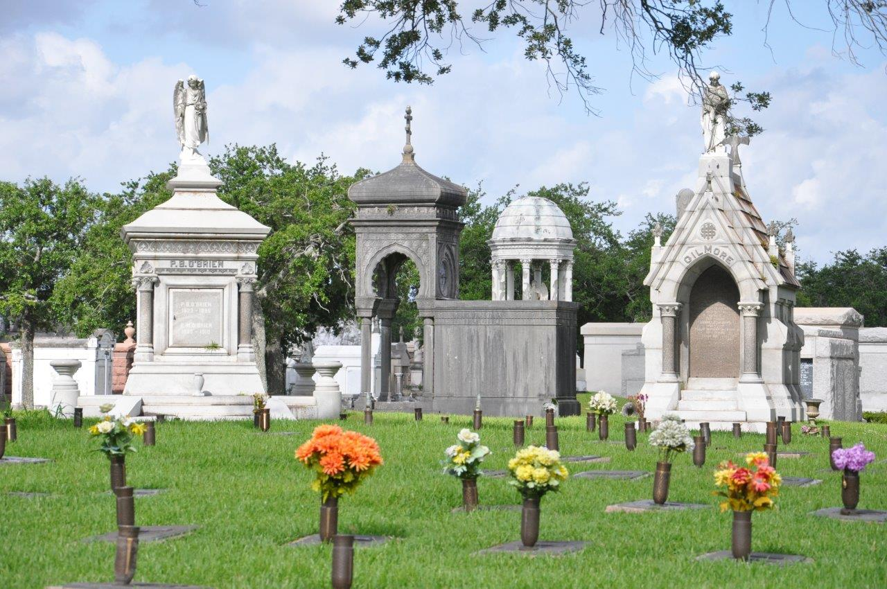 Getting lost in louisiana metairie cemetery in new orleans for Metairie architects