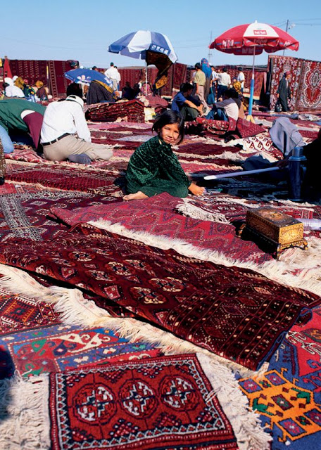 TOLKUCHKA BAZAAR ASHGABAT, TURKMENISTAN