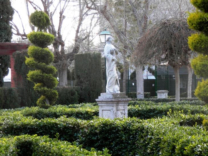 Los jardines del real nacidos entre escombros for Jardines del real valencia