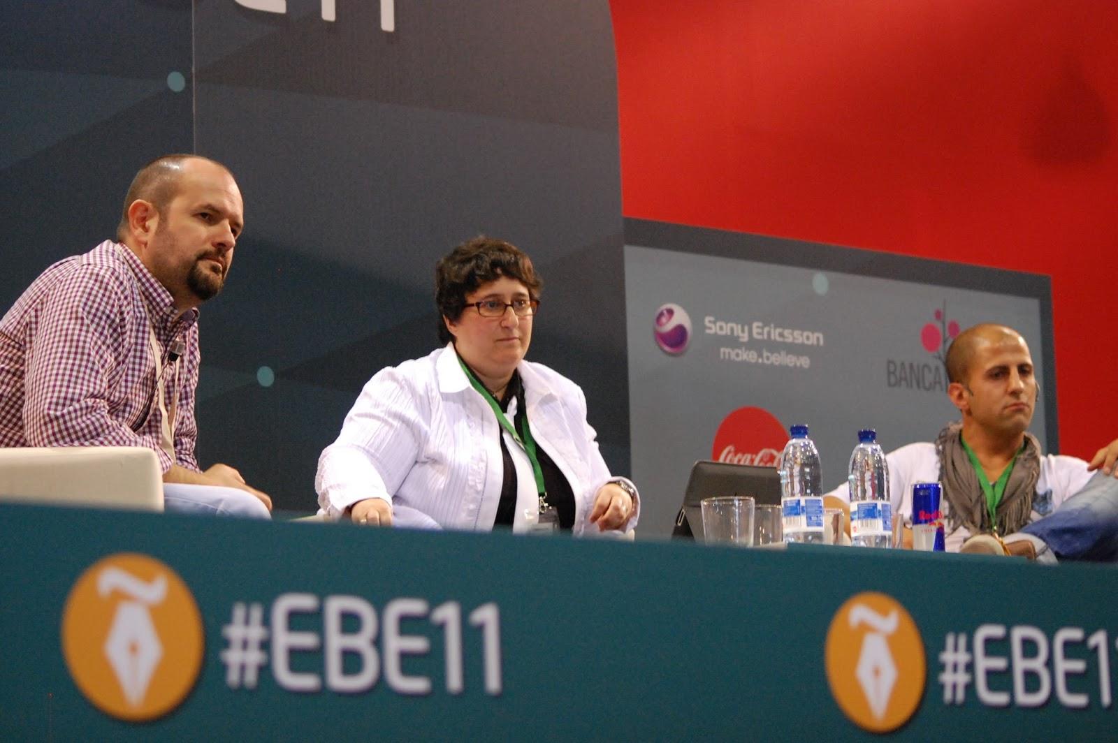 @RicharTejedor, @DoloresVela e @Israel_Garcia, durante la mesa de debate sobre Social CRM Fotografía: Carmen Jara Delgado