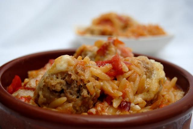 http://www.asopaipas.com/2014/03/orzo-con-albondigas-y-verduras-juvetsi_19.html