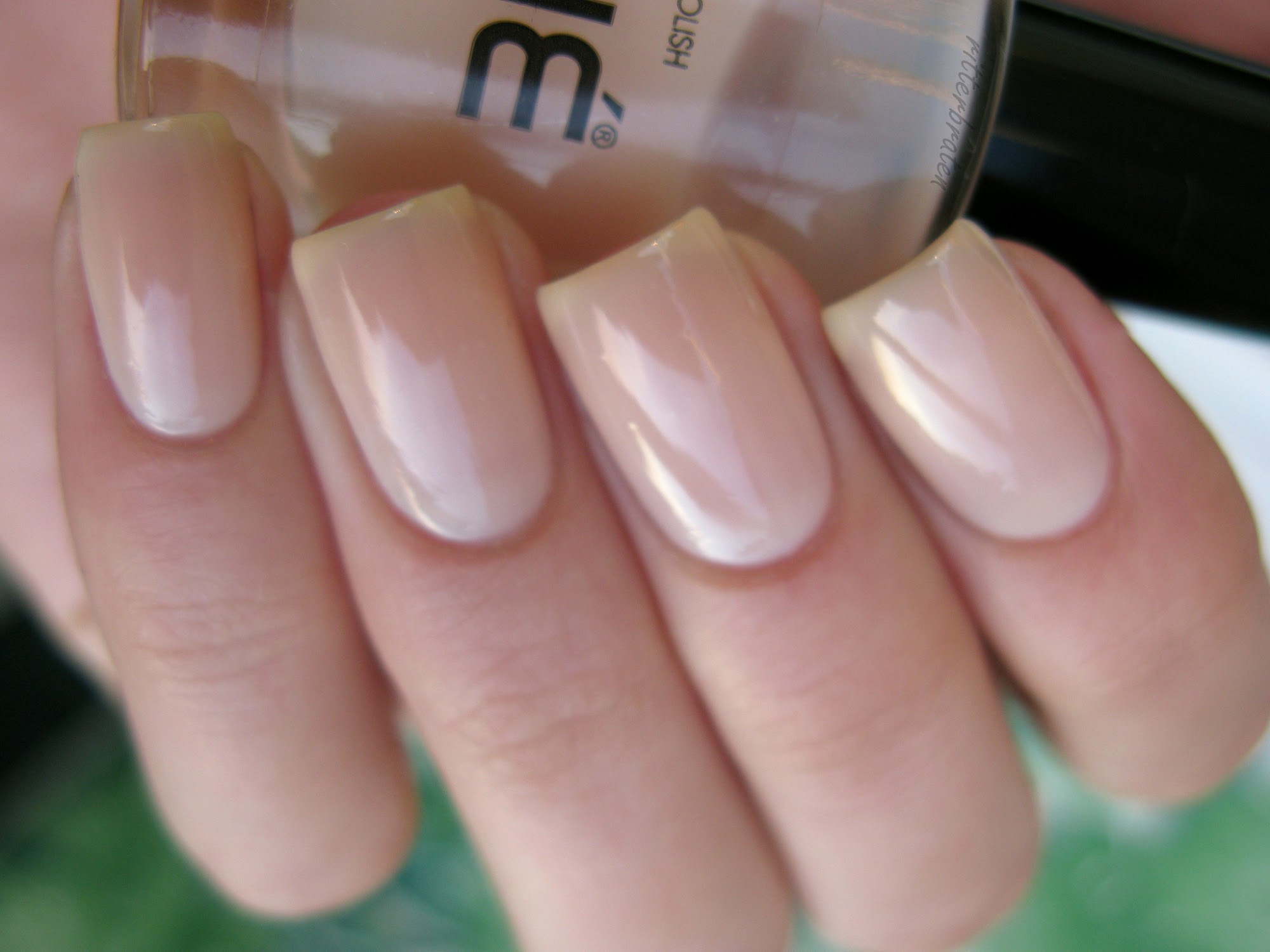 Cliché Areia nail polish