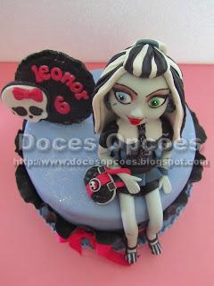 Bolo Frankie Monster High