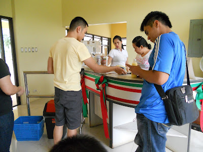 people buying carabao's milk
