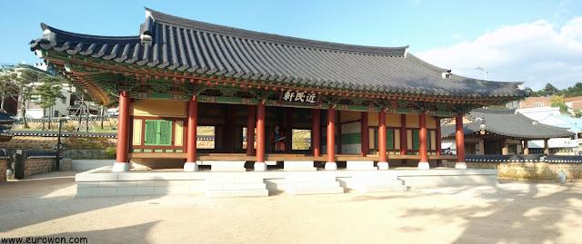 Gwanaji del gobernador de Miryang en Corea