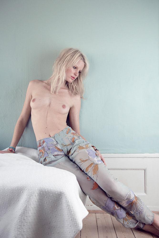 Lowe nackt Caroline  ELITE MODEL