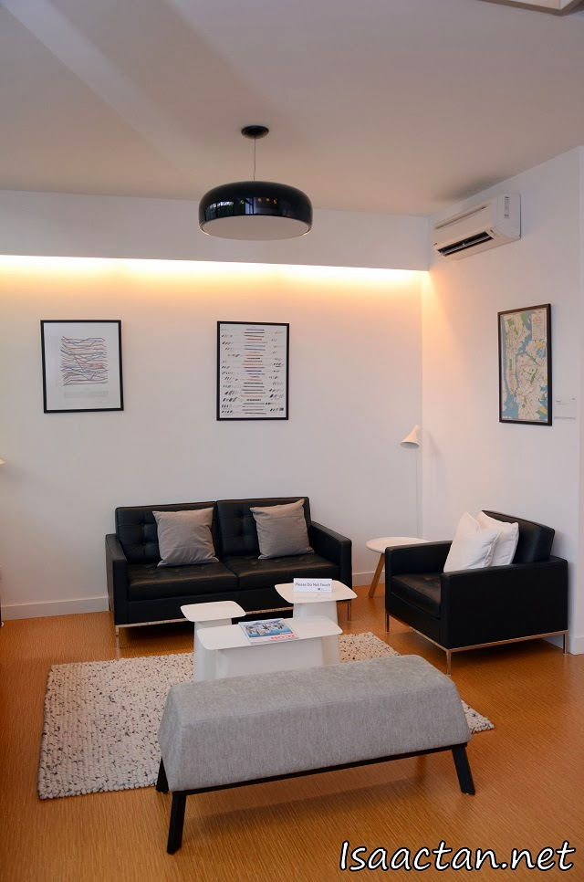 A comfortable, modern office suite at The Hub SS2