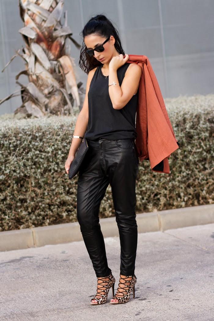 Bloguera española con estilo rockero