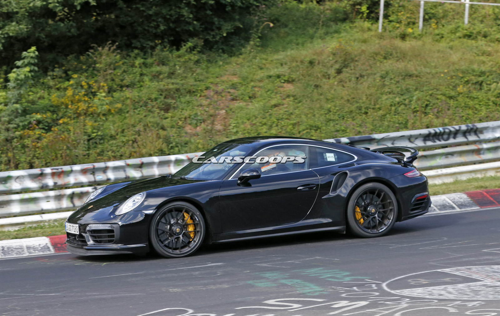 refreshed 2016 porsche 911 turbo s spotted camo free for the first time carscoops. Black Bedroom Furniture Sets. Home Design Ideas