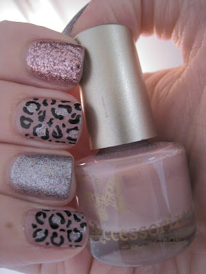 Pink-glitter-silver-leopard-print-nail-art