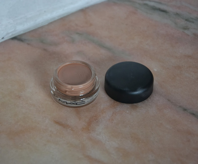 Review: MAC Prolongwear Paint Pot in Layin Low