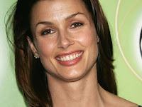 American Actor Bridget Moynahan Smilling Images
