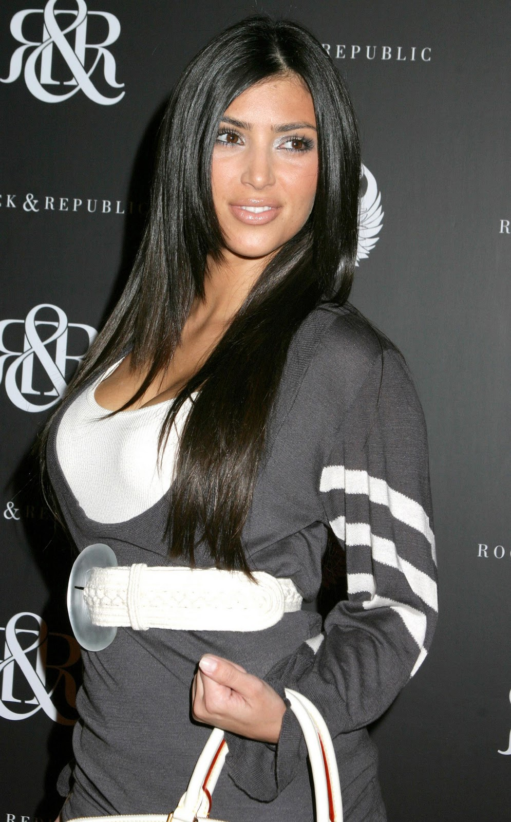 Kim Kardashian Straight Hair 03