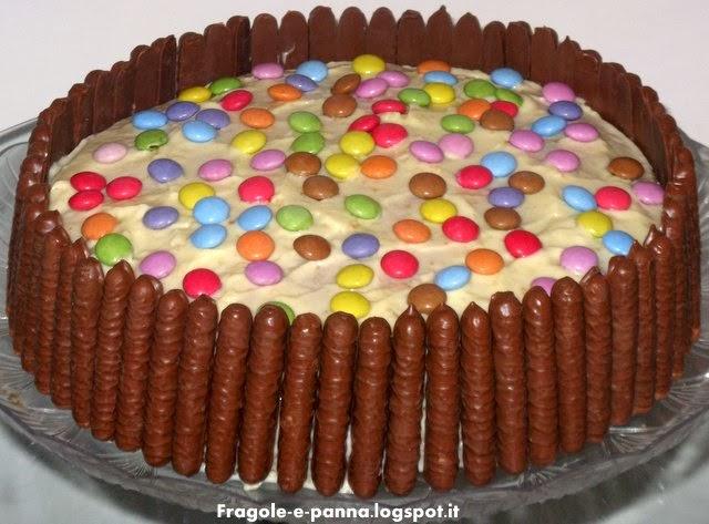 torta togo e smarties per un compleanno a sorpresa