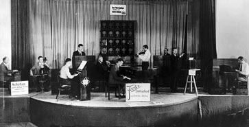El concierto de la orquesta eléctrica que tuvo lugar en la edición de la feria IFA de Berlín de 1933, en la que Oskar Sala interpretó el Volkstrautonium
