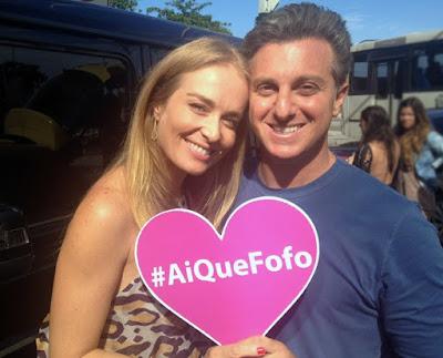 Angélica e Luciano Huck no Vou de Táxi especial do Caldeirão Crédito: Globo/ Giuline Bastos