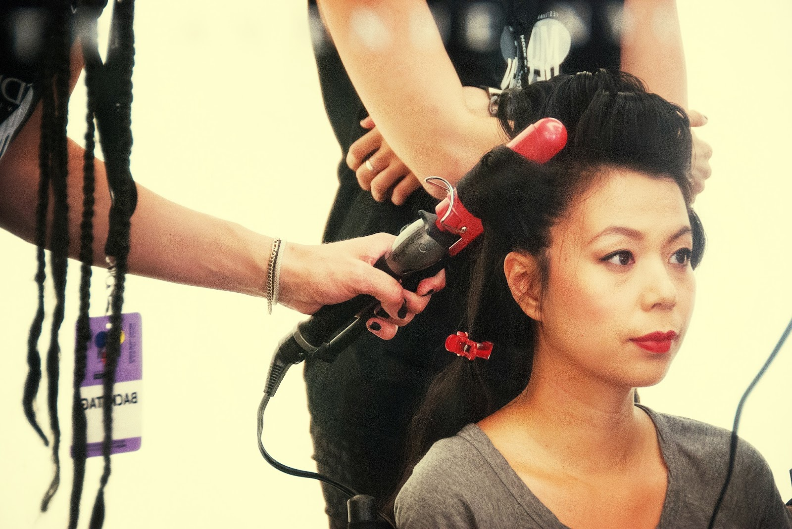 hair hairstyle hairdo curling salon backstage fashion show festival mode design Montreal