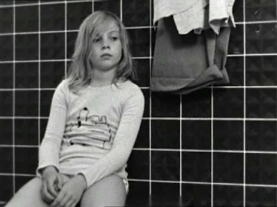 Wenders. Alice in the Cities. Fear bathtub scene 3
