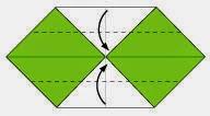 Bước 3: Gấp tiếp hai cạnh giấy vào trong.
