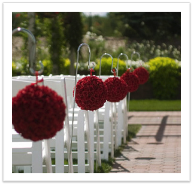 Ideaskreativasparatuevento decoracion con pompones y for Rosas de decoracion