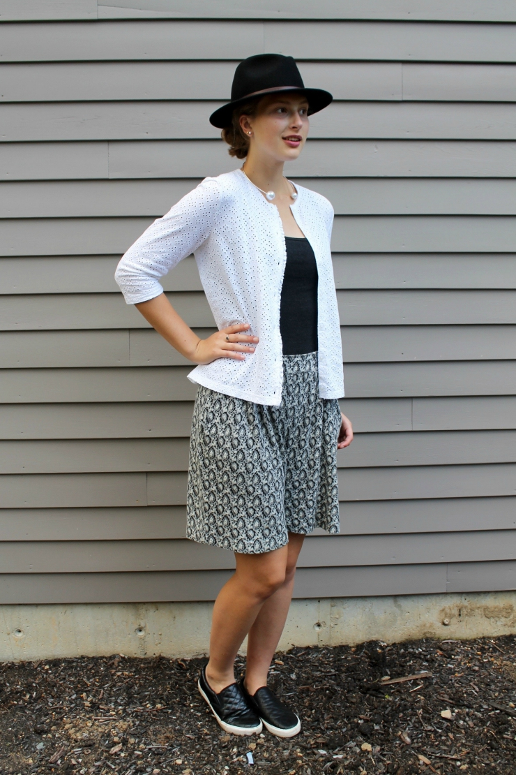 Ann Taylor printed bermuda shorts make for a chic outfit