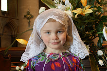 Tie-on Mantilla for Little Ones