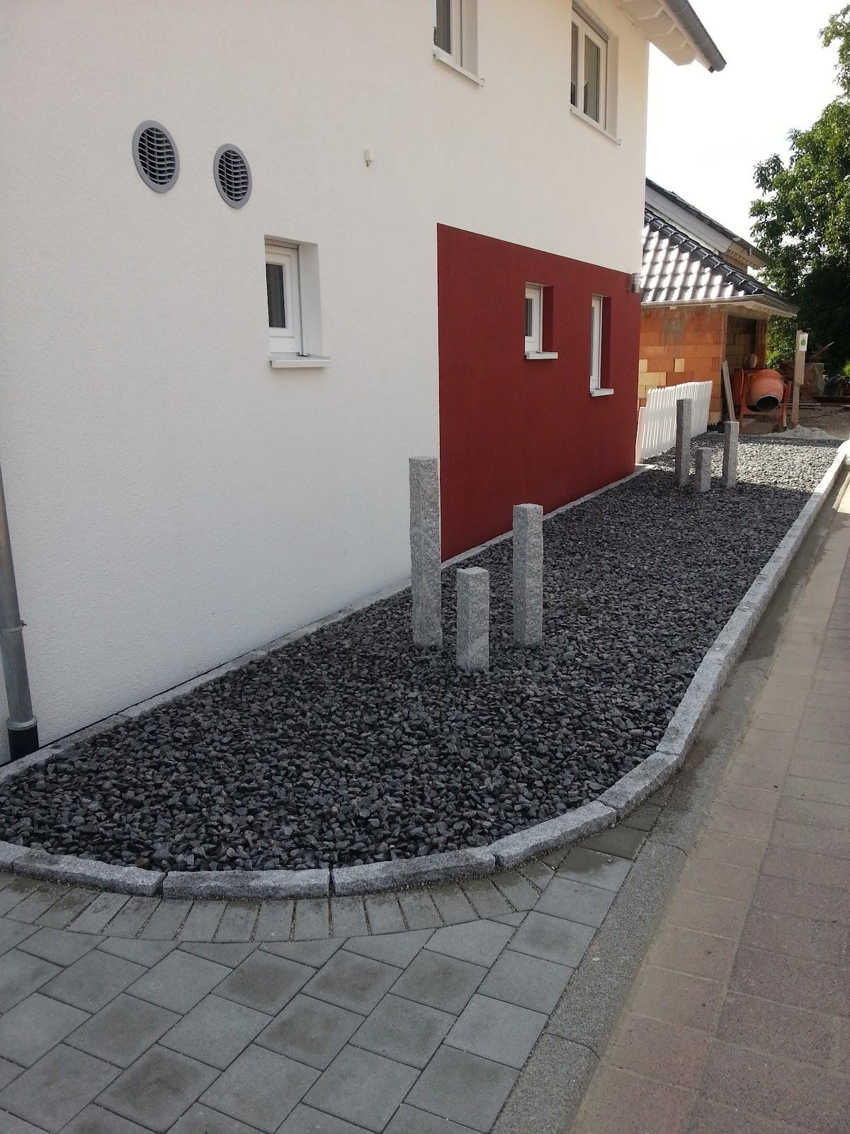 wir bauen ein okal haus steingarten und spritzschutz. Black Bedroom Furniture Sets. Home Design Ideas
