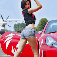 Foto Model Indonesia Seksi Cantik Kennova Prawesty
