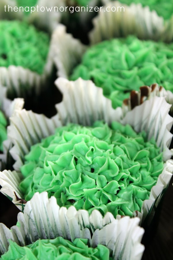 woodland birthday party food - cupcakes