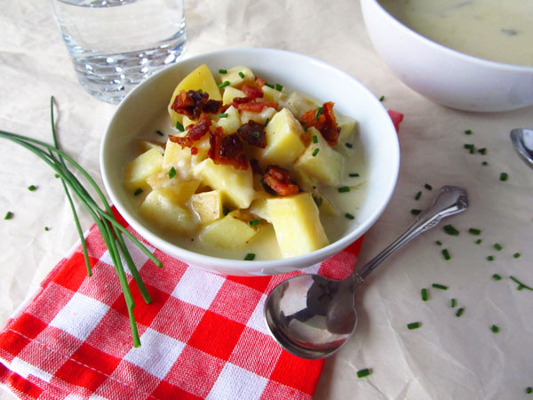 Cheesy Loaded Baked Potato and Leek Soup