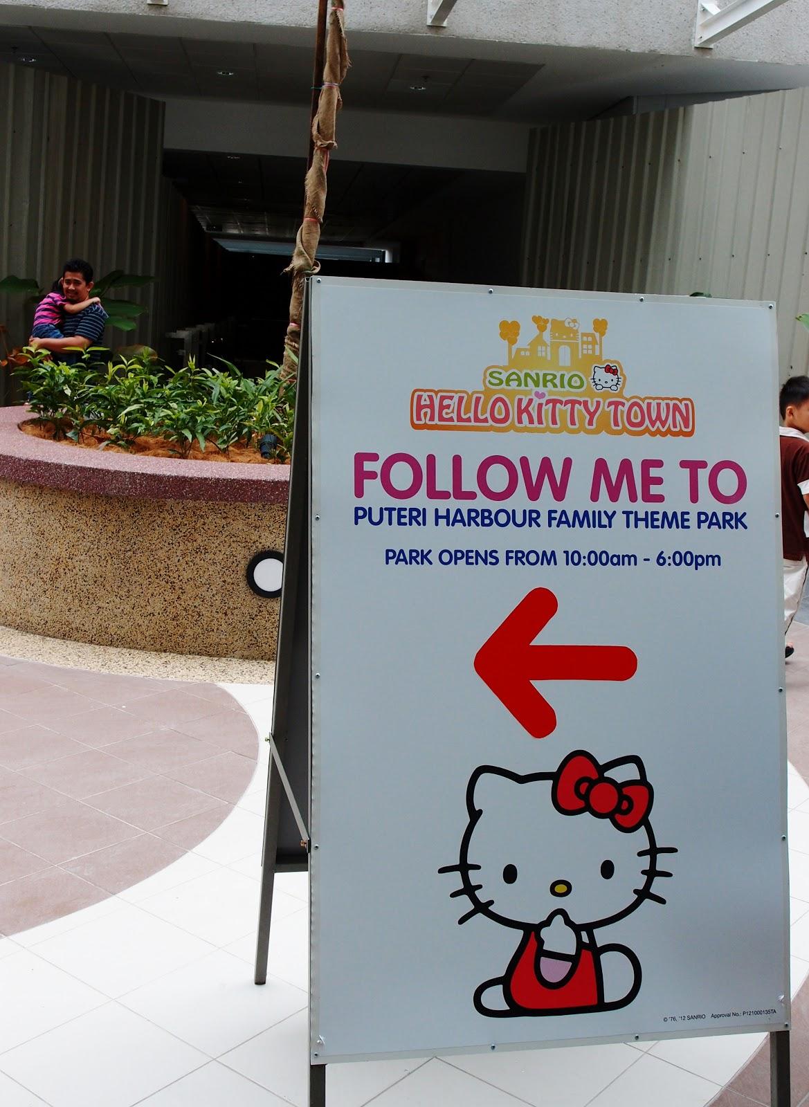 Hello kitty town puteri harbour family theme park johor bahru malaysia - Ticketing Counter