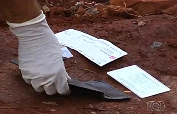 """""""POR POUCO"""": Funcionário de construtora escapa da cadeia alegando que achou cheque no lixo em Caxias!"""