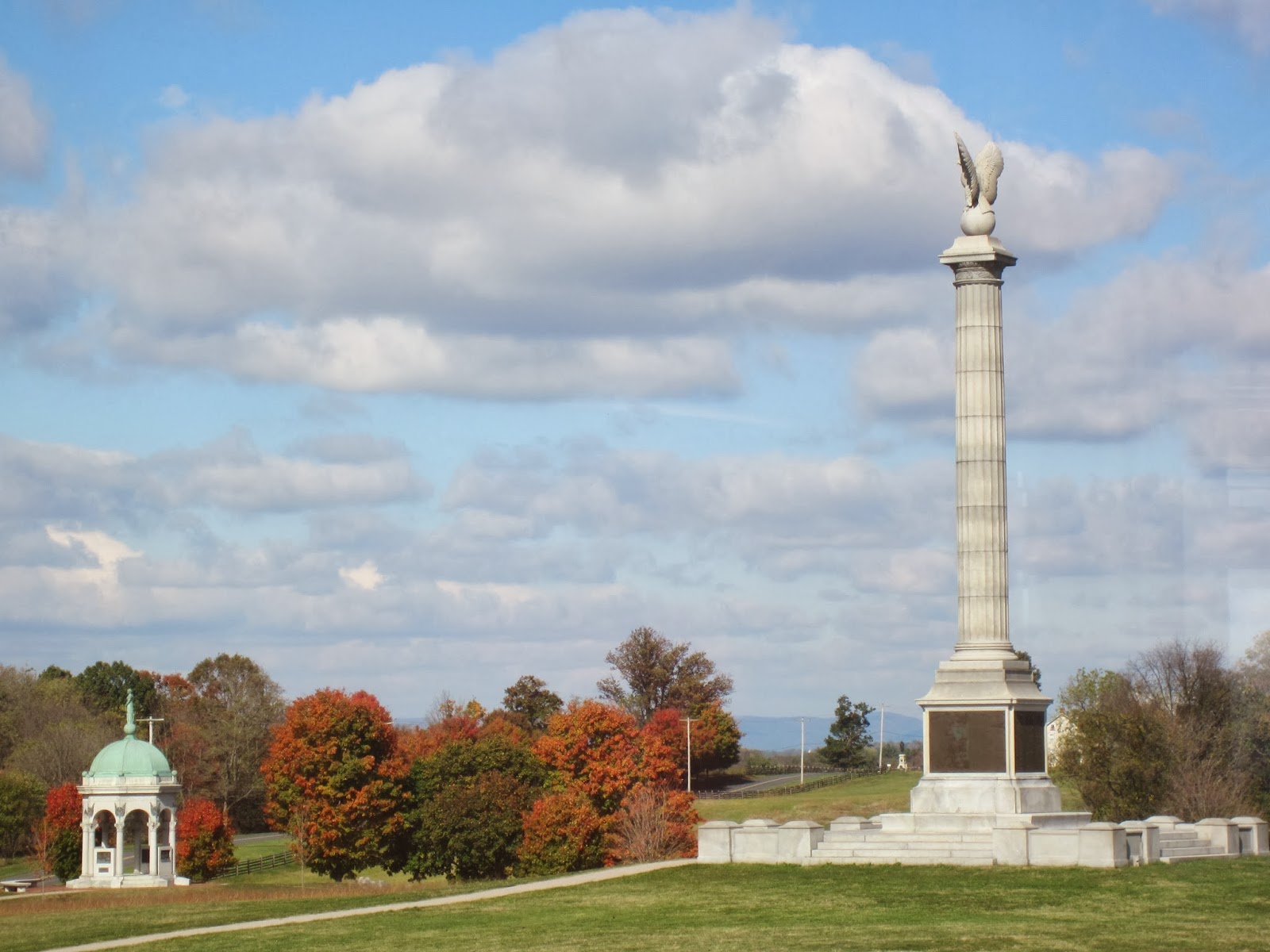 Antietam Monuments, Maryland / Souvenir Chronicles