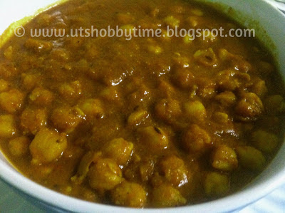 chickpeas - garbanzo - channa - white sundal curry