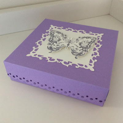 card-kit-box-butterflies